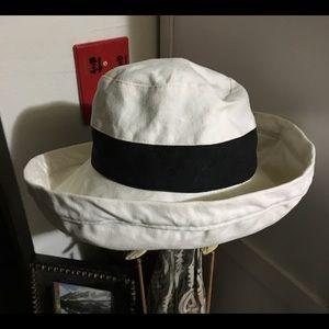 ANN TAYLOR REVERSIBLE CLOTH HAT SUN-WEAR CHIC